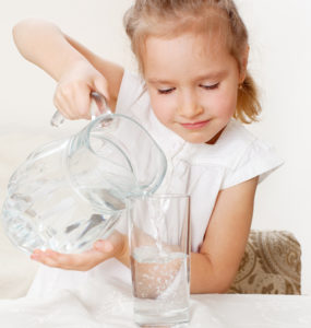 healthy water, child with water
